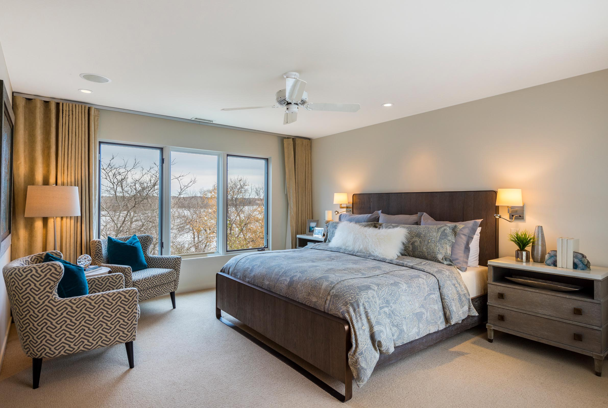 Home Staging Contemporary Bedroom