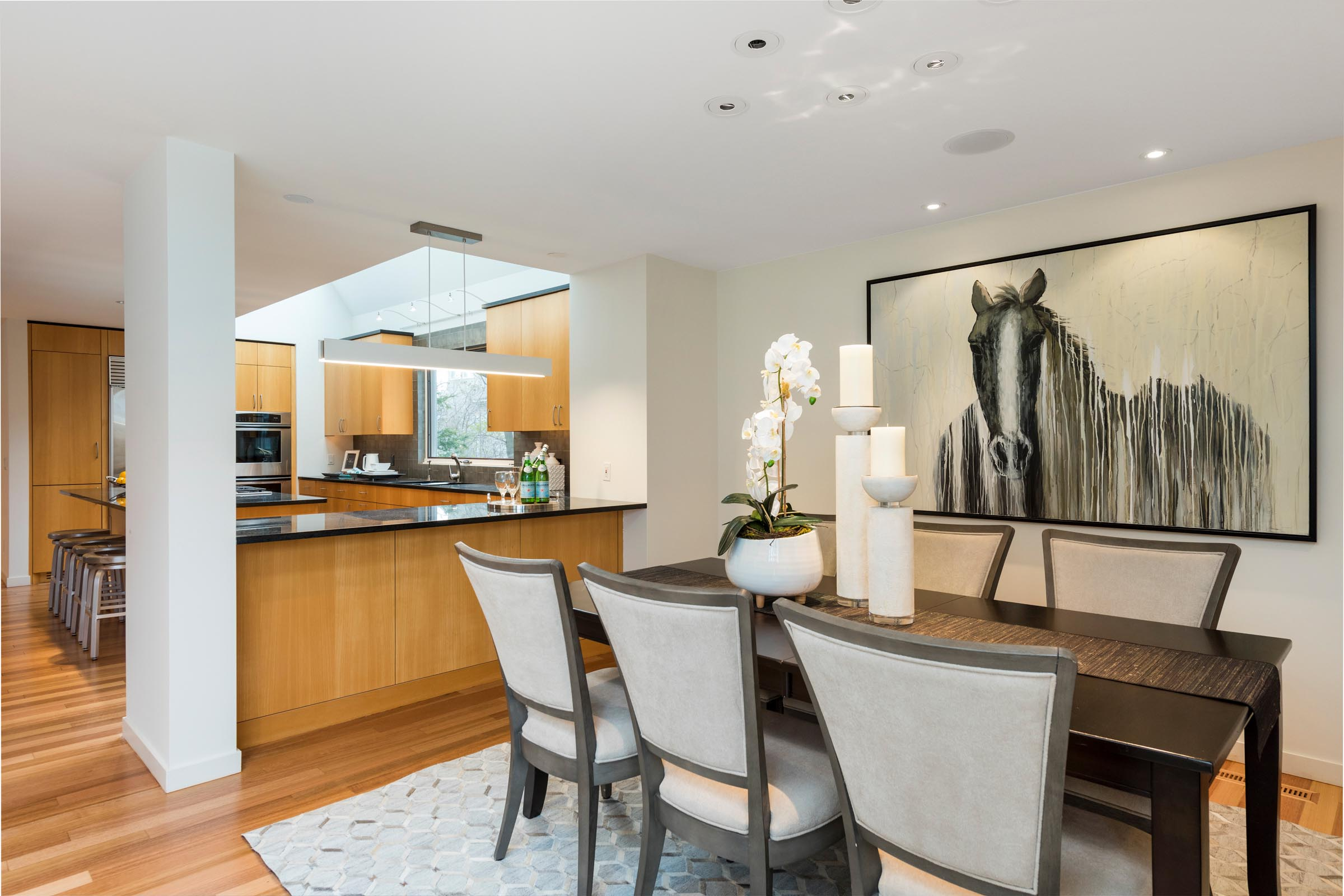 Home Staging Contemporary Dining and Kitchen